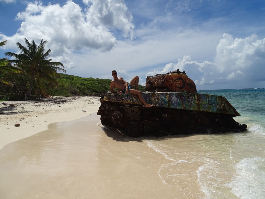 tanque-playa-Flamengo-Isla-Culebra