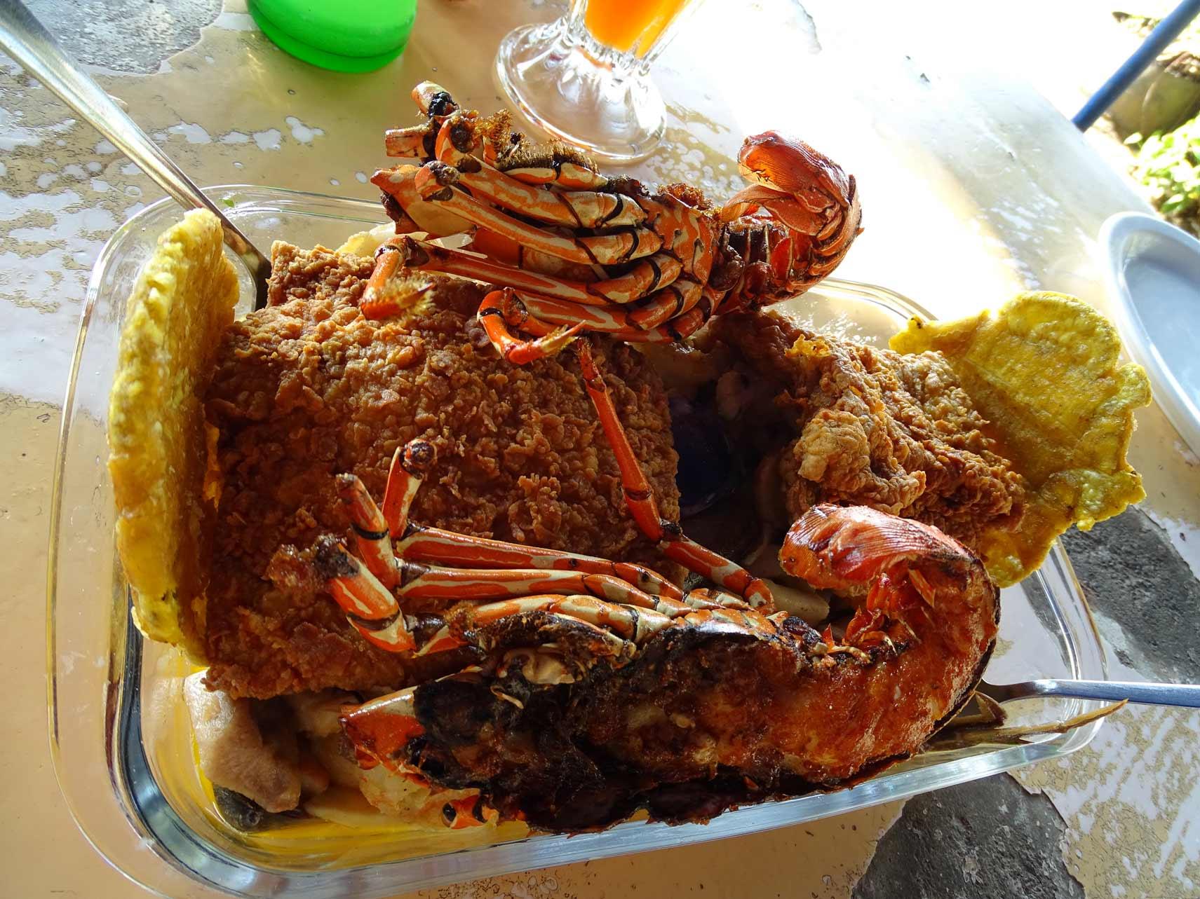 Comida-en-el-restaurante-la-Fiesta-del-Marisco