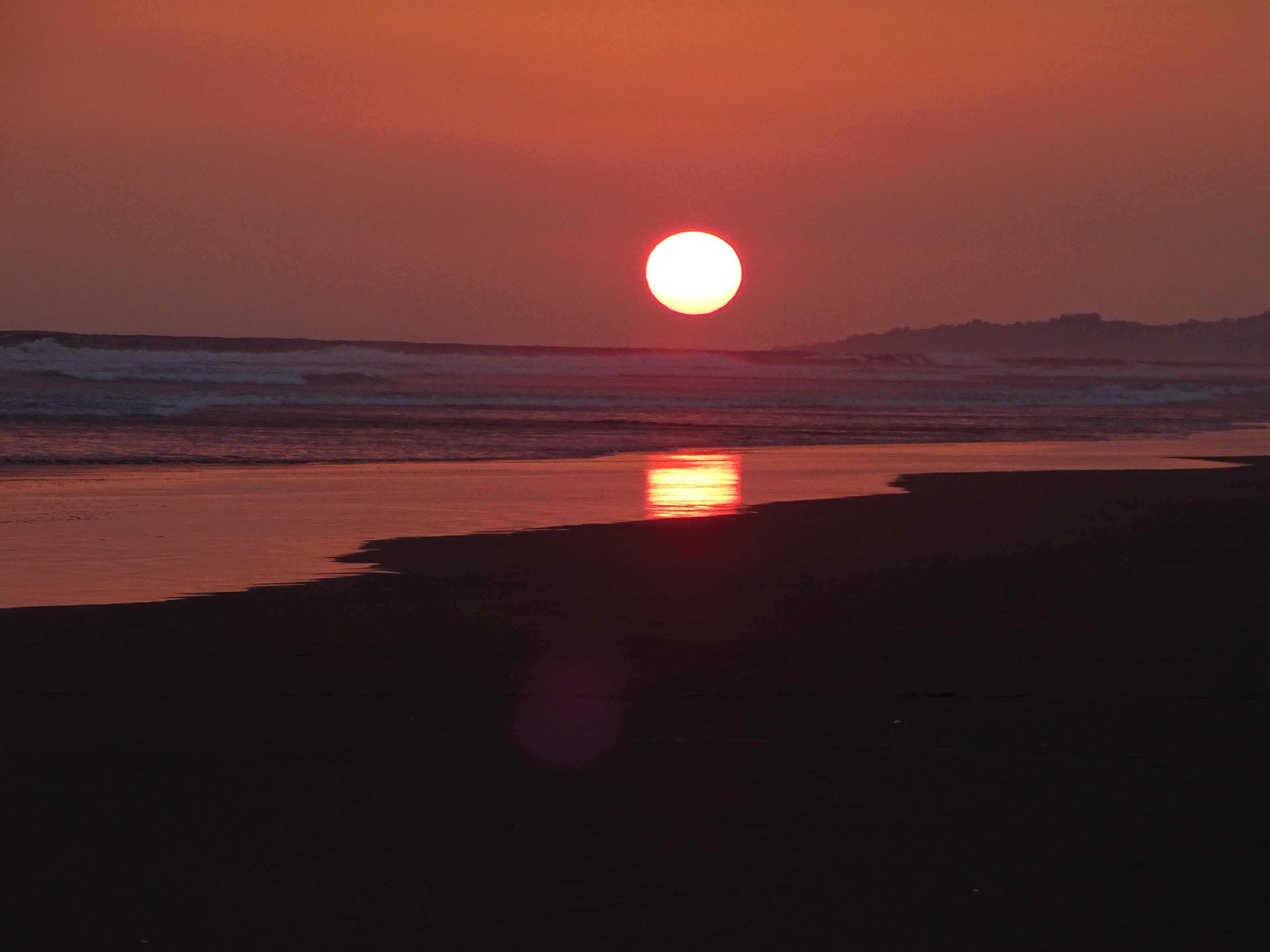 Puesta-de-sol-Playa-Bandera