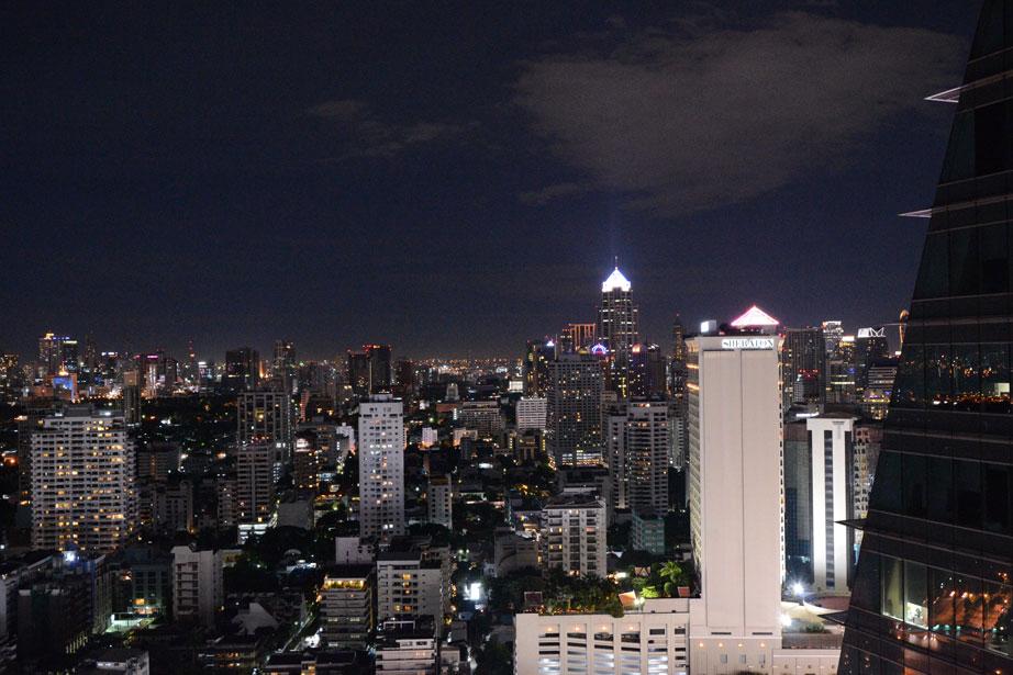 Rooftop-Axis-&-Spin-Bangkok