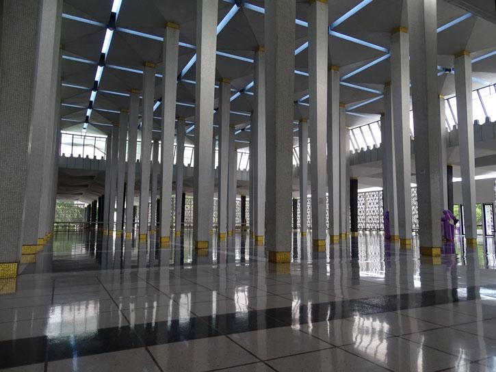 National-Mosque-Malasya-columns