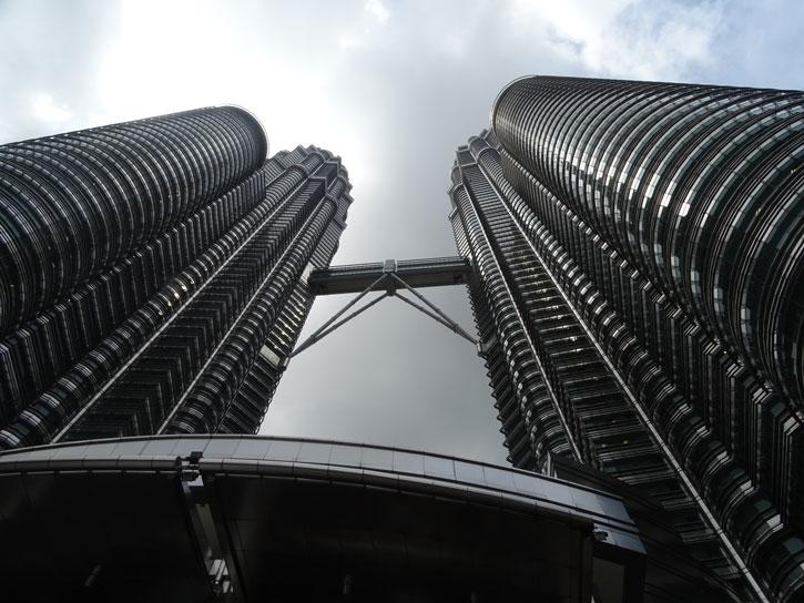 Petrona-Tower-desde-abajo
