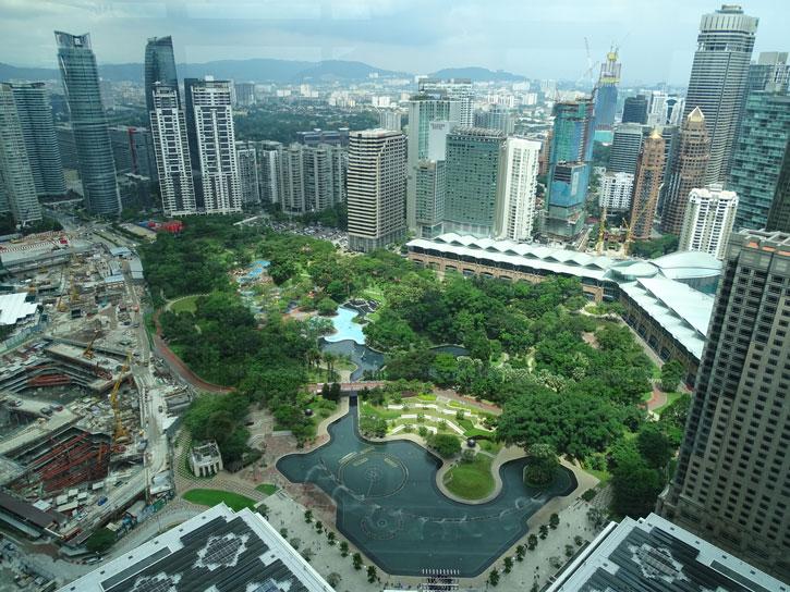Petronas-Tower-vistas-pasillo