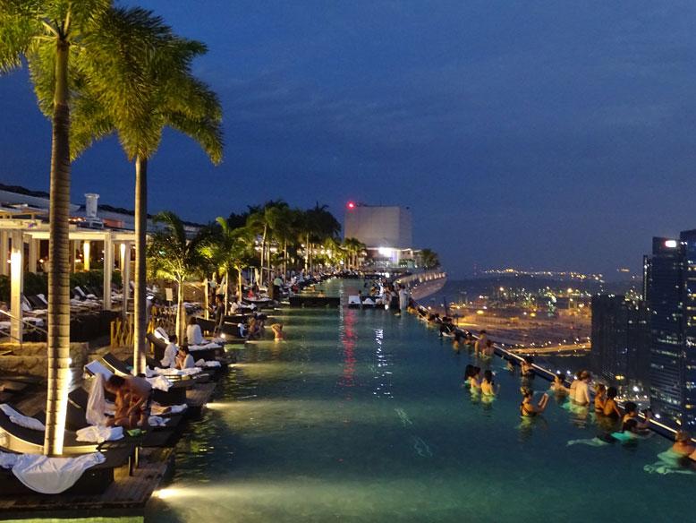Marina-Bay-Swimmingpool