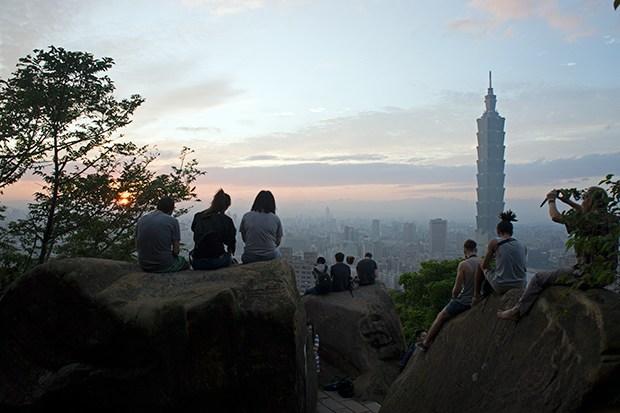 Elephant-Mountain-Xiangshan-vistas