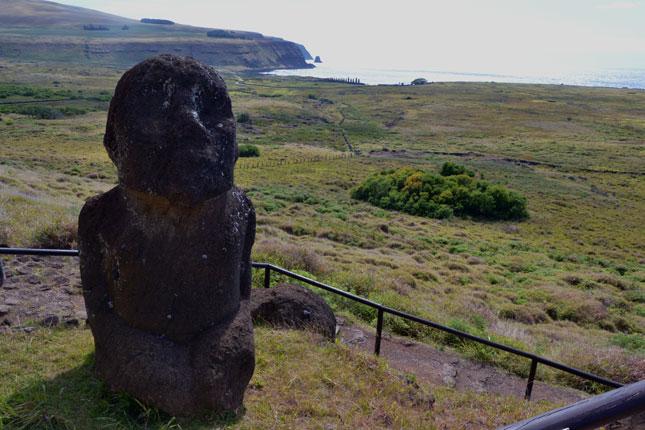 TukuTuri-moai-kneeling