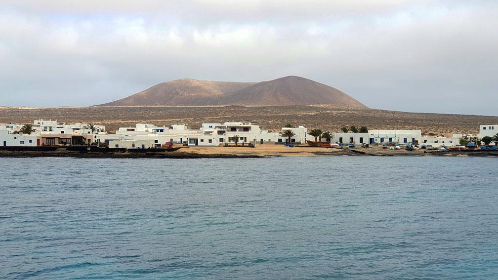 Caleta-del-Sebo-La-Graciosa