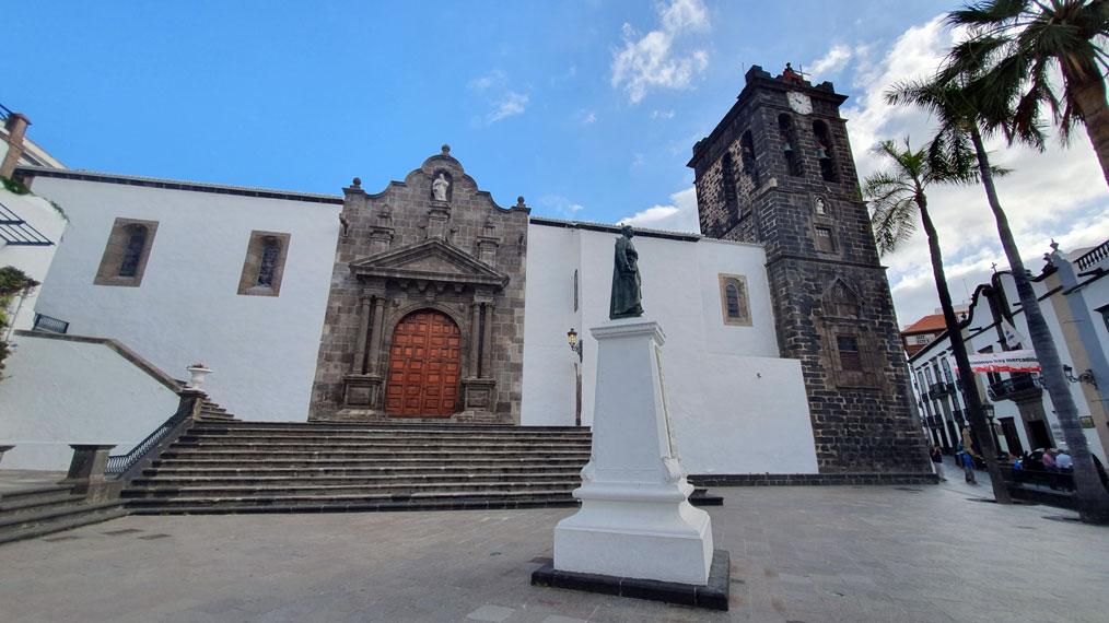 Matriz-El-Salvador-Church