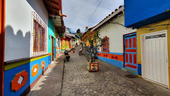 recuerdo-street-guatape