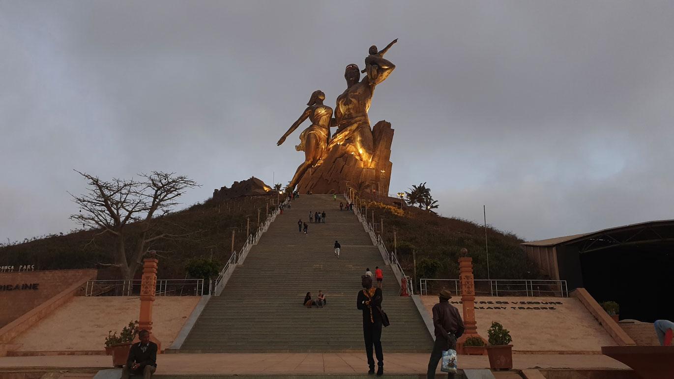 monumento-renacimiento-africano-dakar